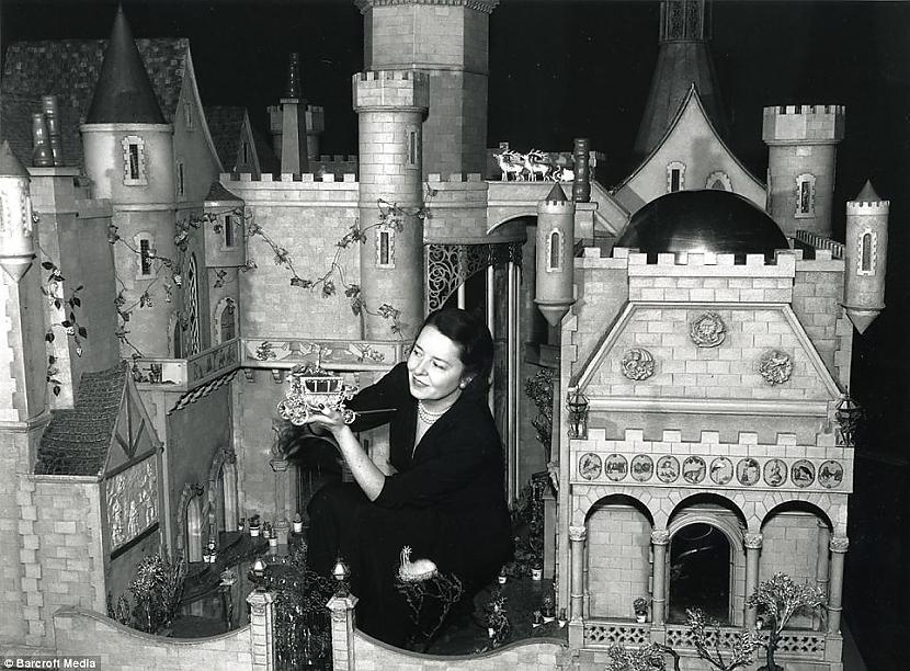 Pēc mēmā kino aktrises... Autors: FiicHa Pasaulē dārgākās rotaļlietas