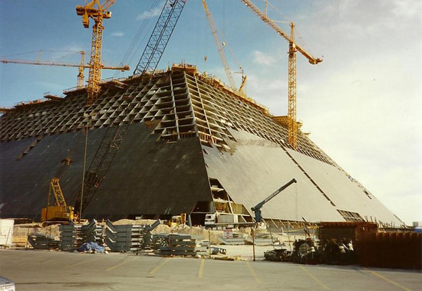 Luksora Lasvegasa 1993g... Autors: Lestets Pasaules ikoniskās būves pirms to pabeigšanas